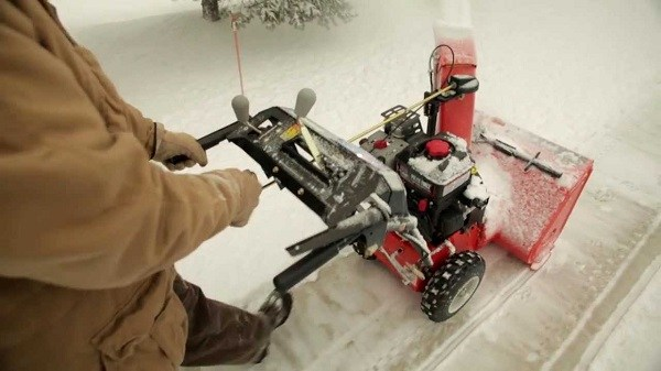 Ariens ST24LET Snow Blower Review